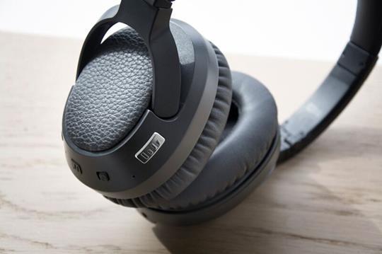 Matrix Cinema wireless Bluetooth headphone with audio enhancement